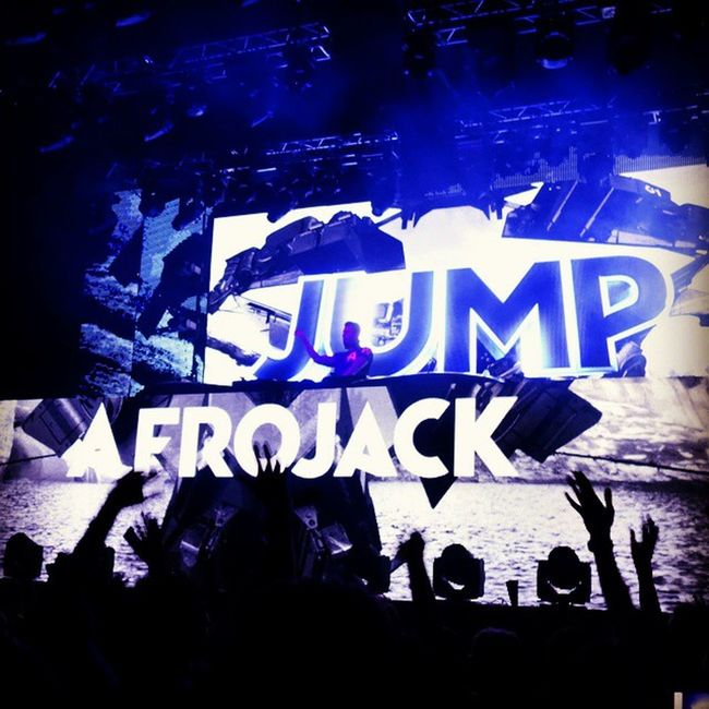 It was much better, than I saw only his cap in BCM on Mallorca :D Edm AFROJACK Moscow Russia spacemoscow music concert jump