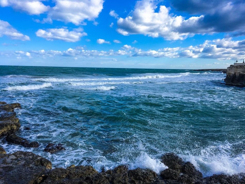 Waves crashing Sea Horizon Over Water Beach Water Sky Beauty In Nature Scenics Nature Wave No People Cloud - Sky Tranquil Scene Tranquility Outdoors Day