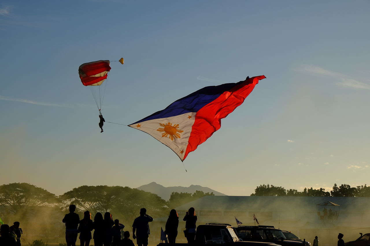 18-55mm Adventure Backgrounds Beauty In Nature Festival Flag Flying Fujifilm Fujifilm X-E2 Fujifilm_xseries Fujifilmph Hot Air Hot Air Balloon Hot Air Balloons International Landmark Leisure Activity Outdoors Parachute Philippine Hot Air Balloon Philippines PIHABF2017 Sky Sky And Clouds Sky Collection Skydive