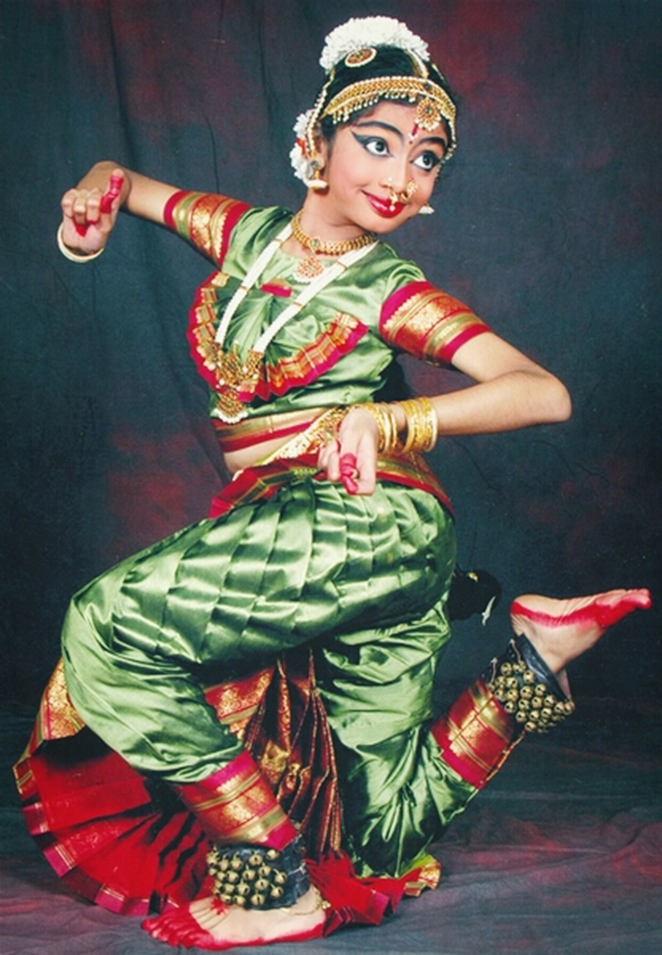 Diverse Indian Culture Dancing Around The World Incredible India Bharatanatyam Classical Dance