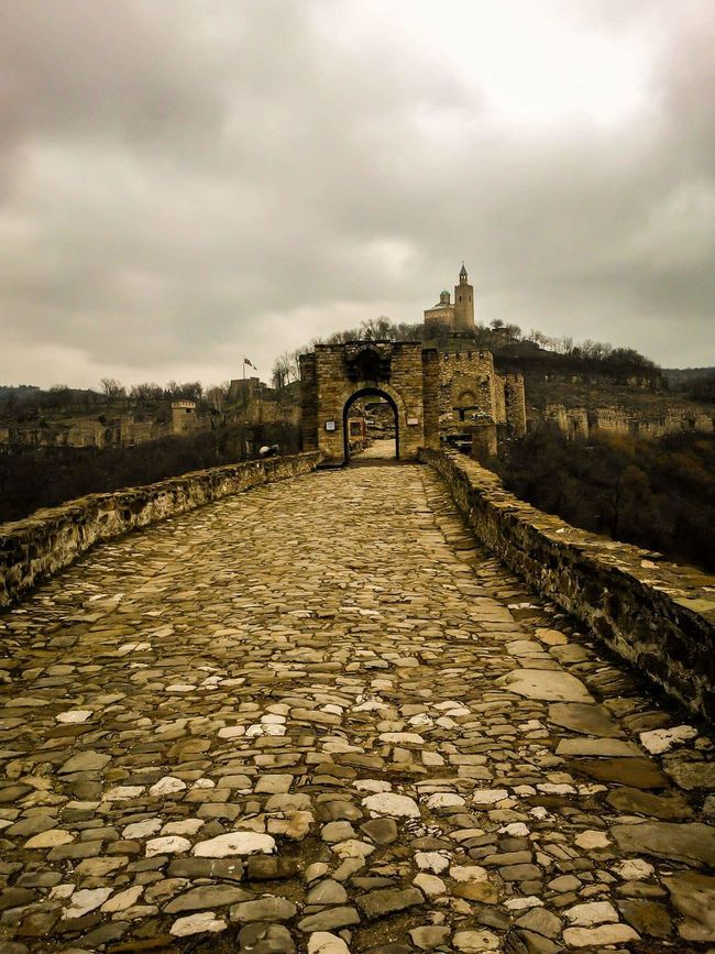 Ancient Ancient Castle Castle Knights Castle Bulgaria Bulgarian Traditions Bulgarian Stories Tsarevets VelikoTarnovo Velikoturnovo Road Pavement Cloudy Day Cloudy Sky Neutral Colors Neutral Tones