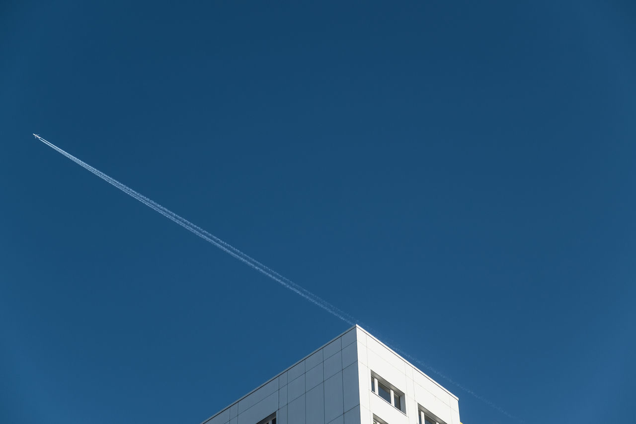 Beautiful stock photos of airplane, vapor trail, low angle view, blue, contrail