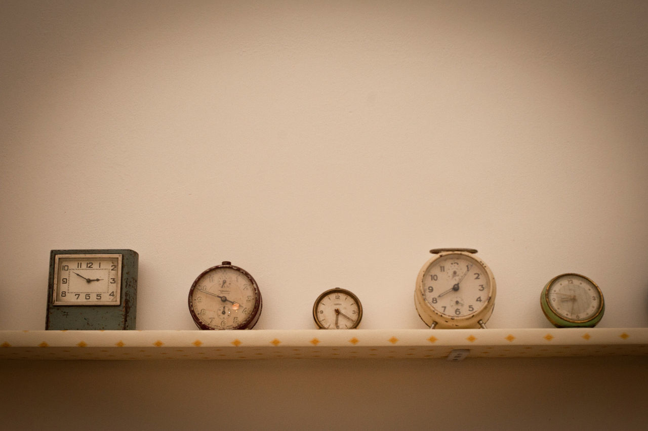 Beautiful stock photos of clock, Alarm Clock, Clock, Copy Space, Five Objects