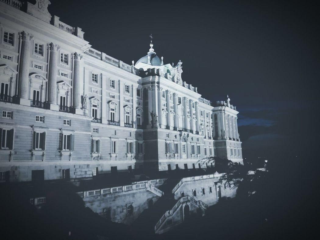 Una imagen que habla de historia, patria y sentimiento monarca... Viva España First Eyeem Photo
