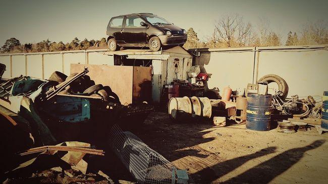 Taking Photos Junkyard Scrapyard Renault TWINGO Funny Car Metal Kėdainiai Just Around The Corner