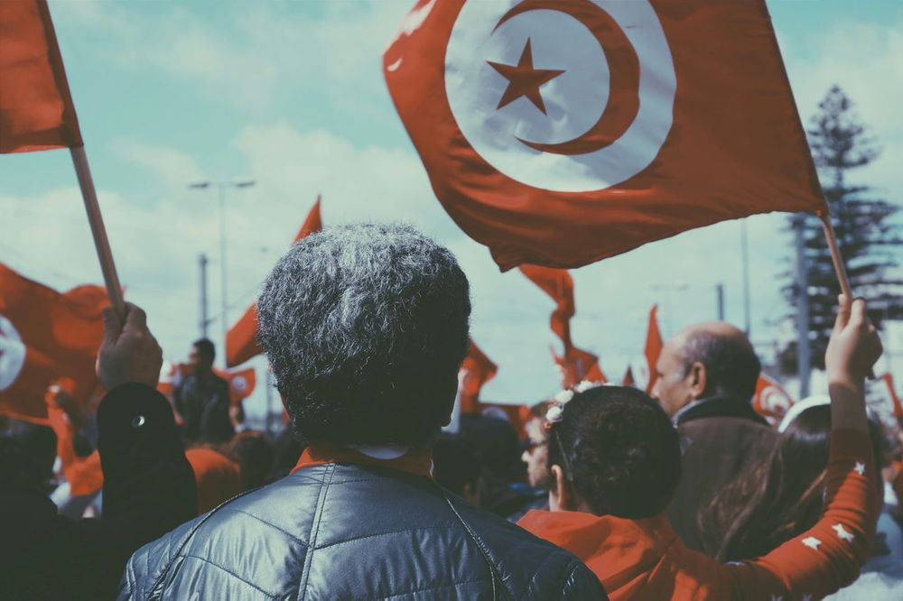 People would look to the flag and see hope and love.. Peaceandlove Taking Photos Lovely People Humans Tunisians Manifestation in Bardo