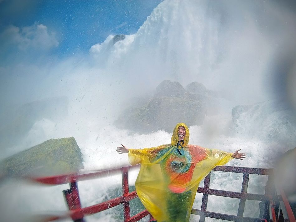 Beautiful stock photos of niagara falls, 25-29 Years, Arms Outstretched, Beauty In Nature, Blurred Motion