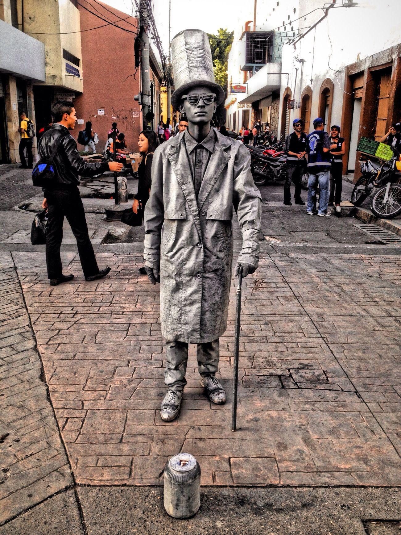 Arte de las calles en el Centro Street Art Taking Photos Hi!