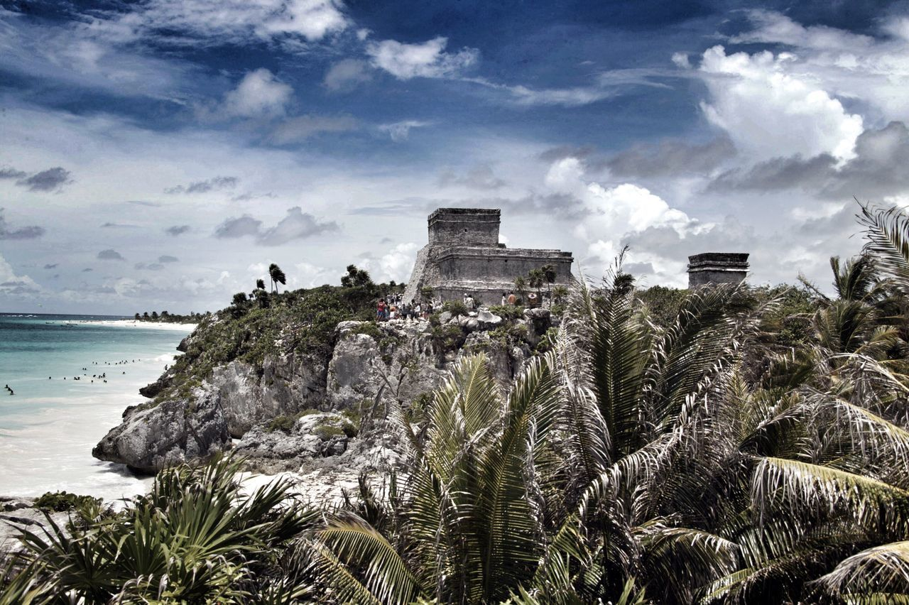 Tulum, México Sky Nature Cloud - Sky Outdoors Architecture No People Day Water Beauty In Nature Mexico Eye4photography  From My Point Of View Travelling Travel Photography Travel Destinations Tulum , Rivera Maya. Tulum, Mexico Old Ruin Tulum Weltblick