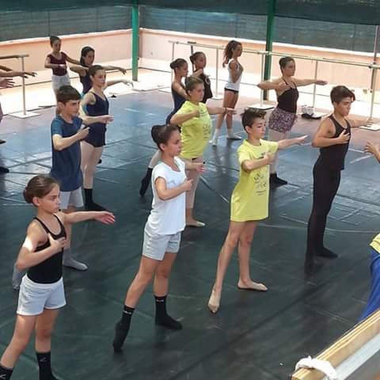 «Stage Internazionale Di Danza Sulle Punte Dell'Etna» Stageestivo Fotopera
