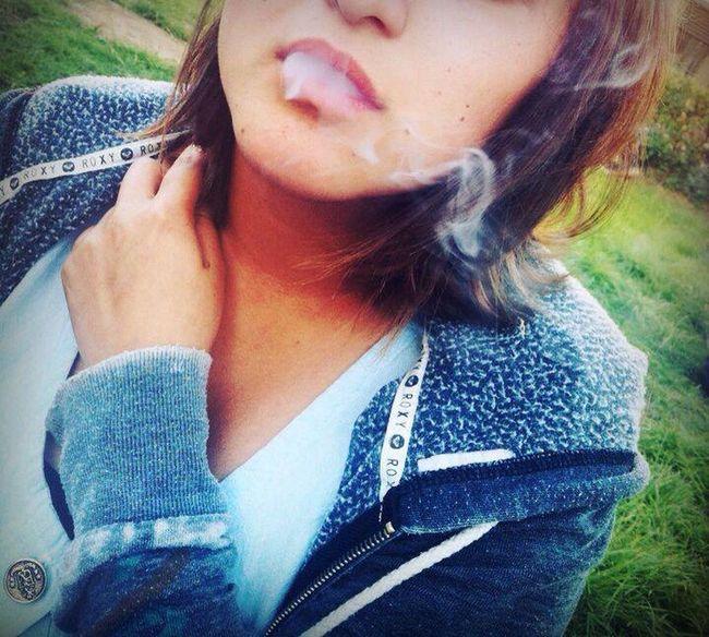 amo el humo. Self Portrait Relaxing
