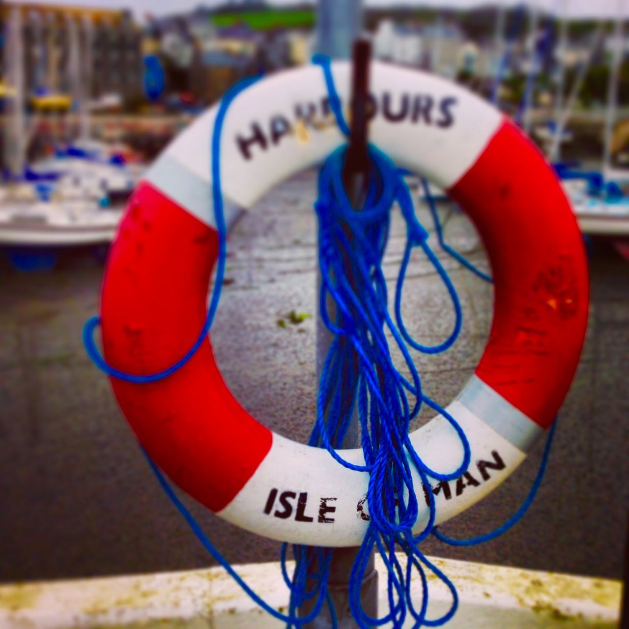 rope, blue, text, communication, no people, focus on foreground, close-up, life belt, day, tied up, outdoors, red, nautical vessel