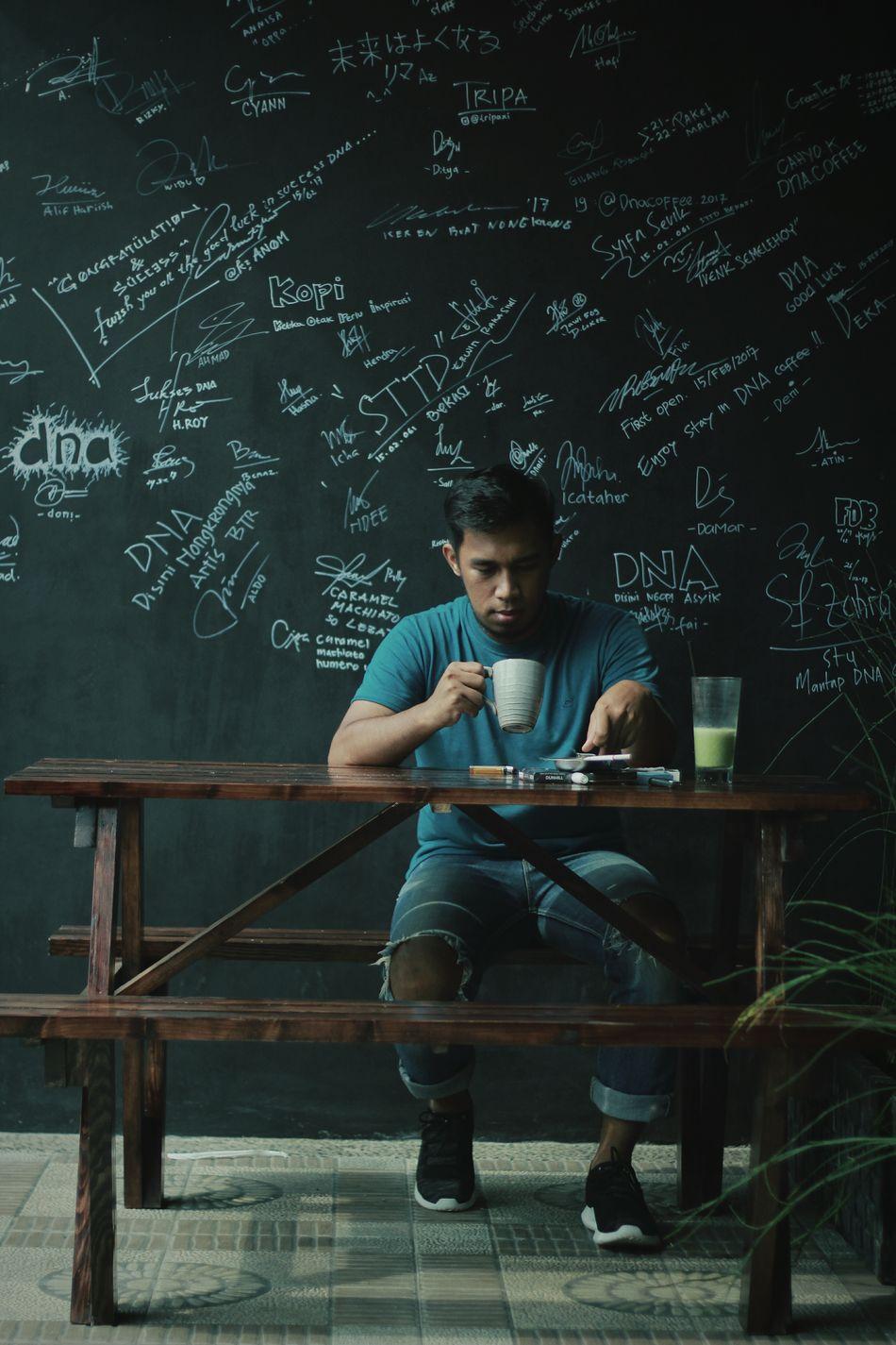Penuh inspirasi di dalam secangkir kopi Coffee Coffee Time Coffee ☕ Coffeeaddict Coffee Lover Kopi Kopihitam Kopinusantara Kopiindonesia Kopisore Kopidinihari INDONESIA Indonesian