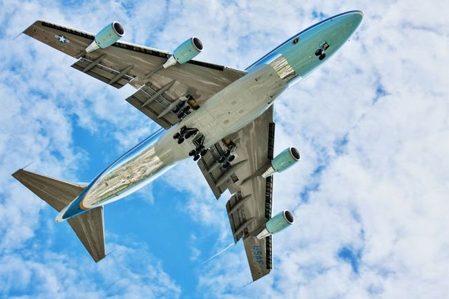 Air Force One 747 Boeing 747-400 United States President Obama America Flyover Milwaukee USA
