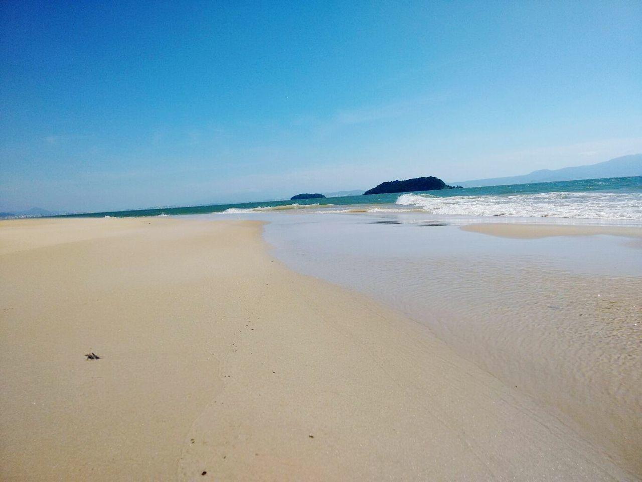 Pontal d Daniela, visão da olha de Ratones. Florianópolis - SC-Brasil Sea Beach Blue Sand Sky Horizon Over Water Scenics Outdoors No People Nature Wave Day