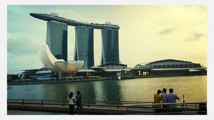 Hanging out at marina bay sands,  Singapore by Sainiran