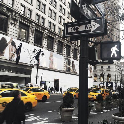 Newyork Yellow Black And White New York Manhattan Yellow Busy Street