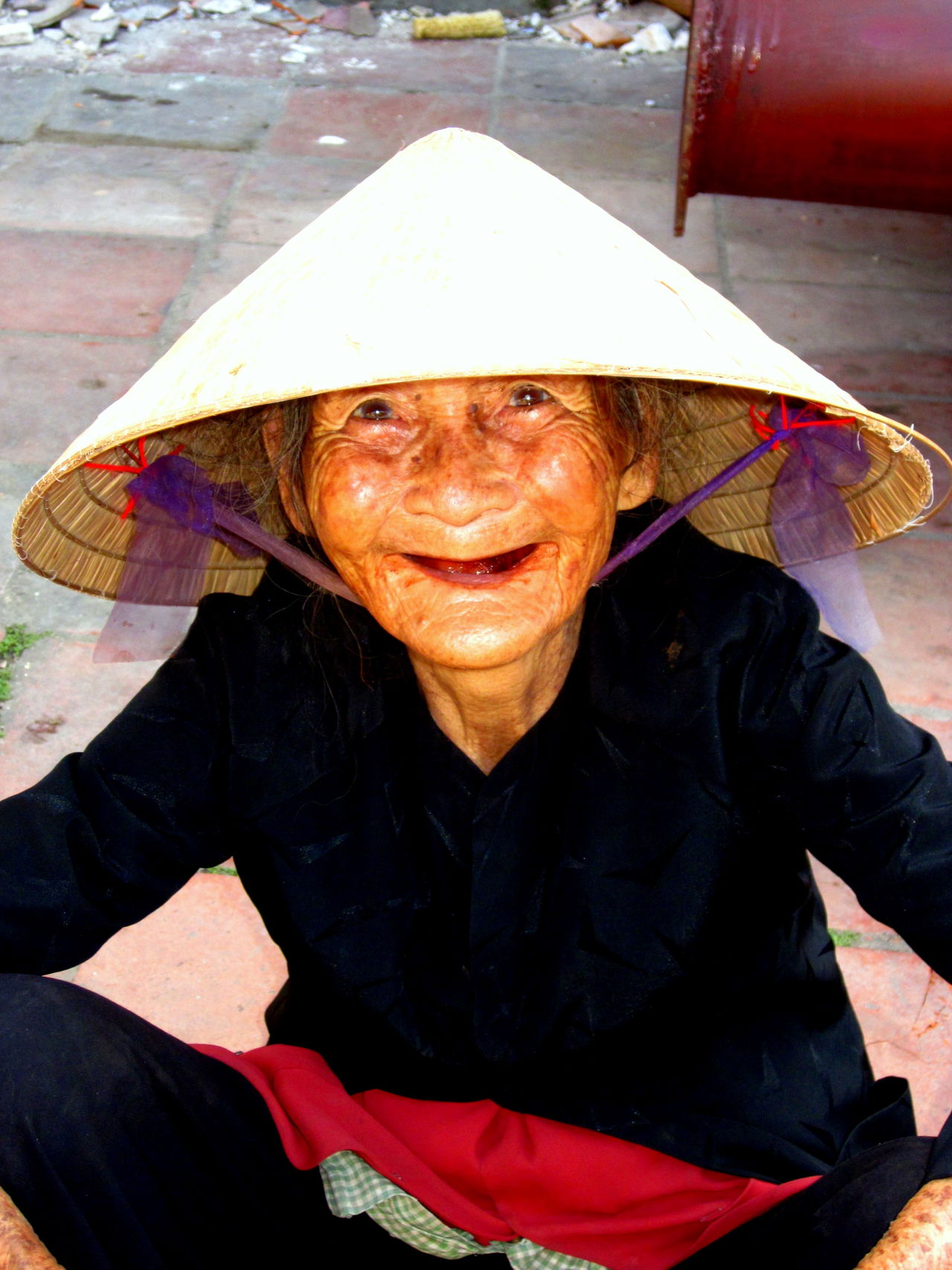 Conical Hat Day Front View Lifestyles Loving Life! Non La Old Lady Old Woman Person Portrait South East Asia Toothless Vietnam Vietnamese Vietnamese Conical Hat Vietnamese Women Vietnamese Working Woman First Eyeem Photo