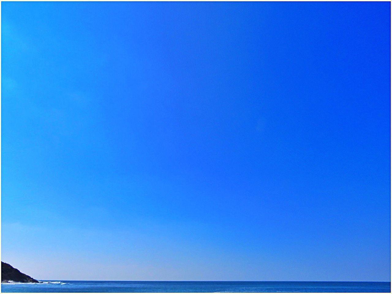 Smart Simplicity Lifeisabeach Monochrome Blue Minimalism Designedbynature Sky Taking Photos EyeEm Home