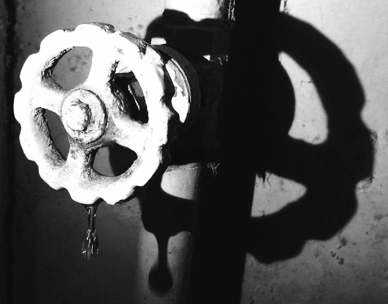 Close-up Popolar Photo Master_shots Eyeemphoto Creativity save water save life's Shadow Reflection Week On Eyeem Shootermag New Talent This Week Blackandwhite Photography Macro New Talents The Week On EyeEm