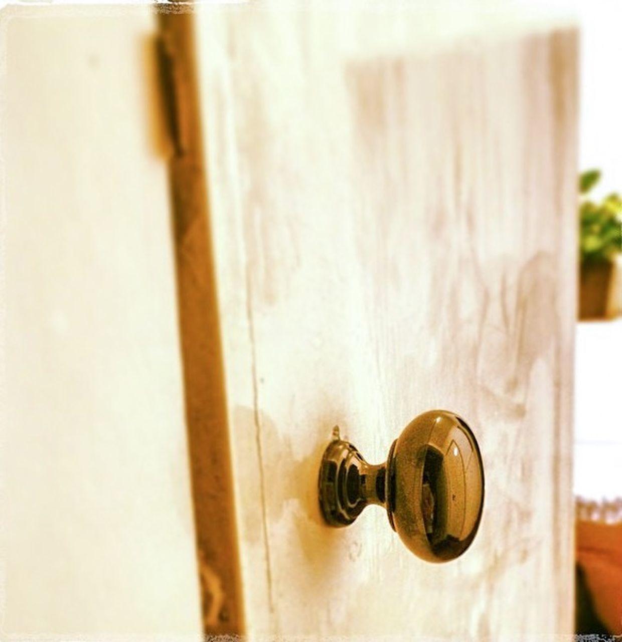 door, lock, close-up, no people, day, indoors