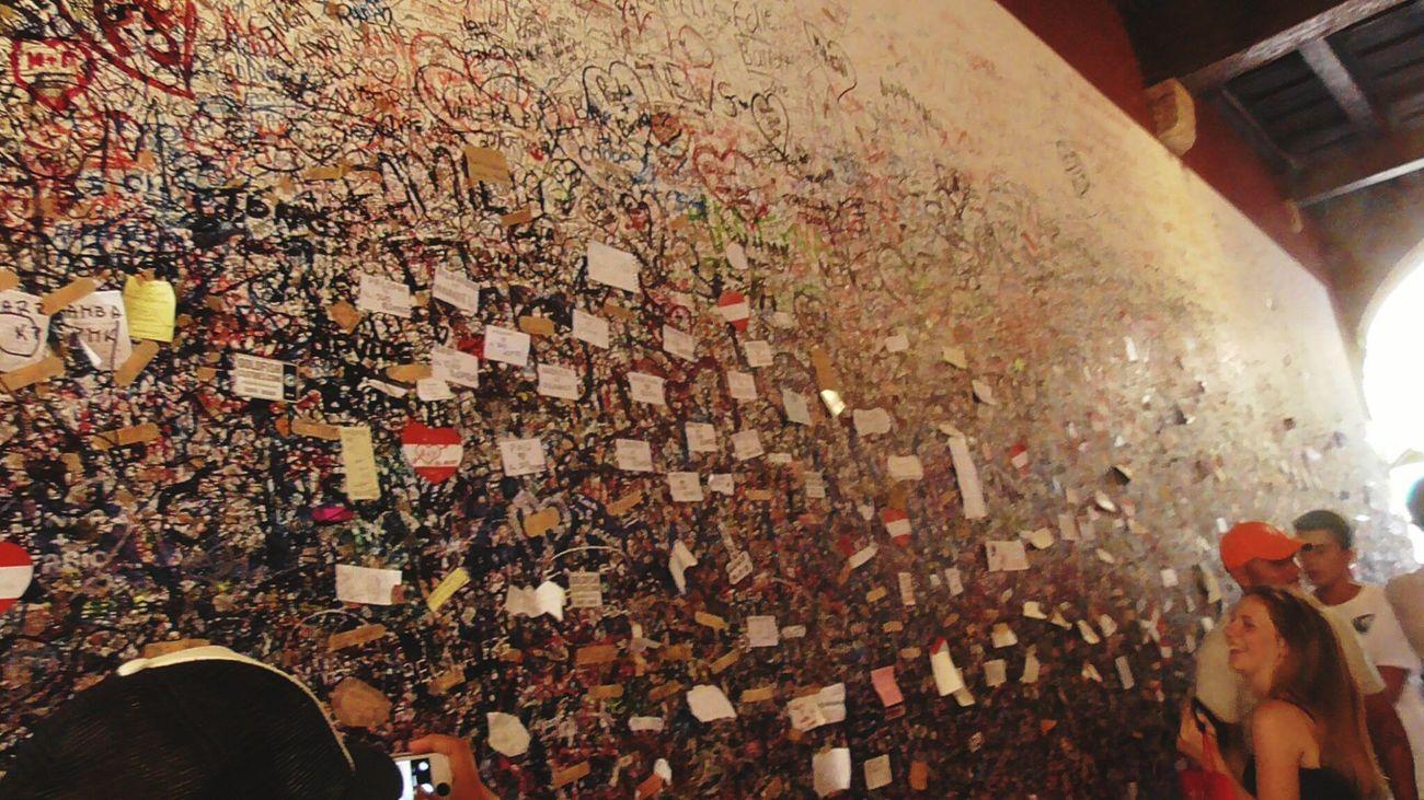 Romeo And Juliet Loveletters Verona Verona Italy Romeo And Juliet's Balcony