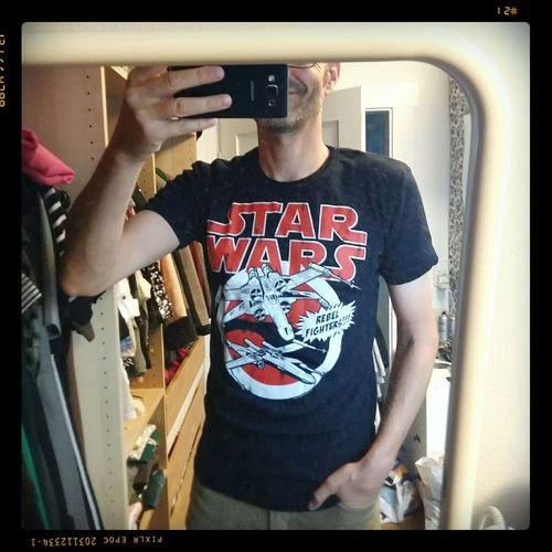 i love my tee ☺👽 Ootd T-shirt T-shirt Of The Day Star Wars Starwars Rebel Fighter Rebel Alliance X-wing Starfighter X-wing That's Me✌️ That's Me