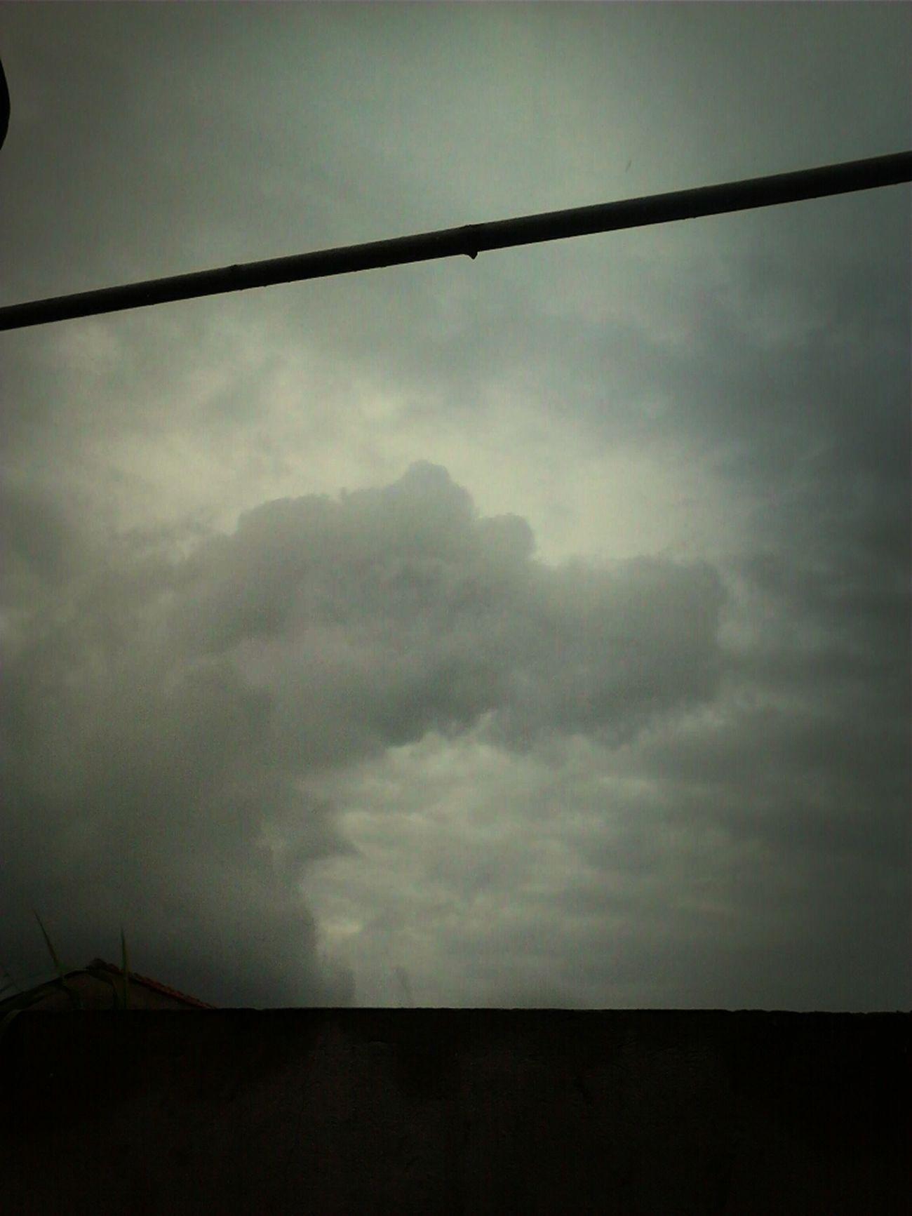 "Chuva Vai Embora ""/"