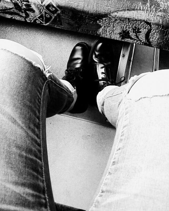 Hi! Shoes ♥ Black & White Black Shoes Jeans Legs Girl Going Home Lithuania Panevėžys FolowMe ✌ Folowforfollow