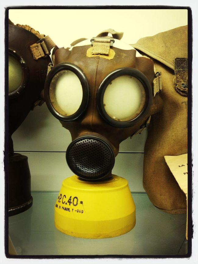 Maschere antigas al Museo della guerra di Castel del Rio.