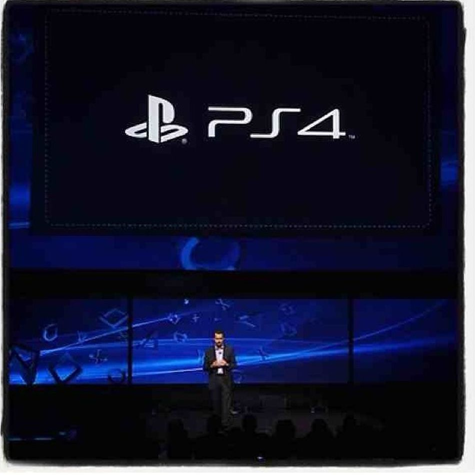 Ps4 Finally Touching Down In The Nxt 20 Mins. Sooo Cool