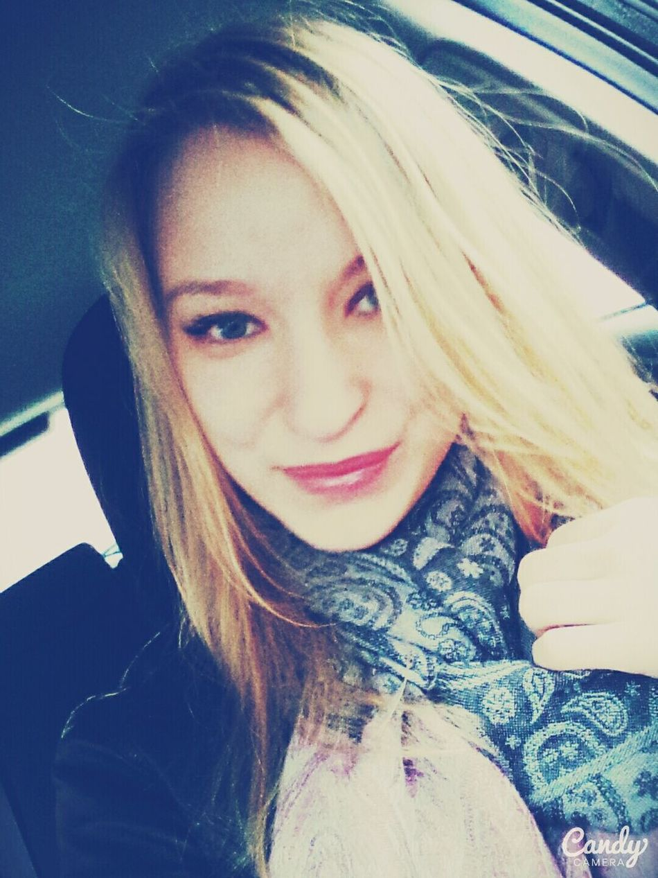 Russian Girl Hello World Girl Selfi : ) Hi Blonde Smile Girl Smile ✌ Self Portrait Faces Of EyeEm
