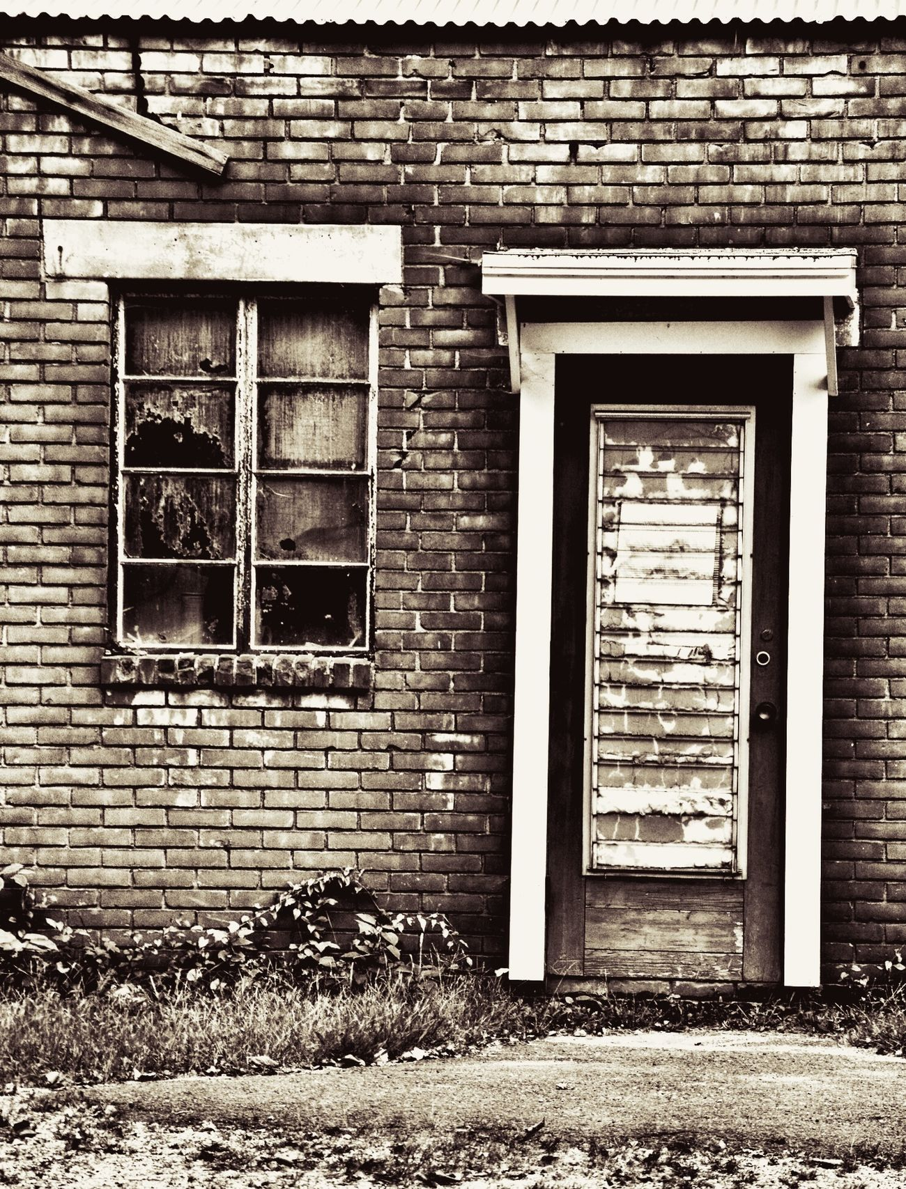 Grimescene Grimewindow Grimedoor Achromatic