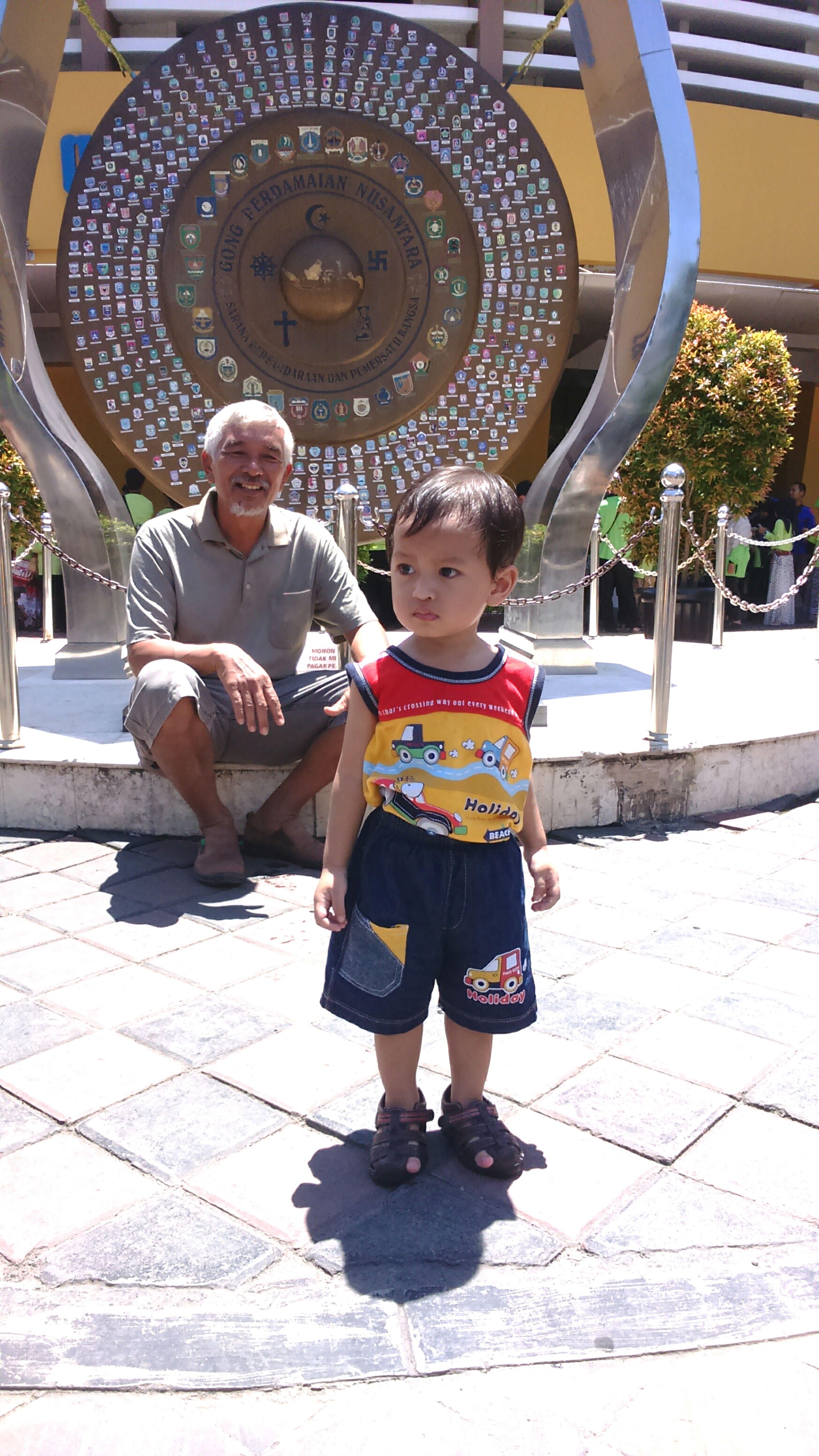 Spend time with grandfather Enjoying Life Family Kids Learn & Shoot: Layering Summer Views Traveling Enjoying The Sun EMCSummerViews