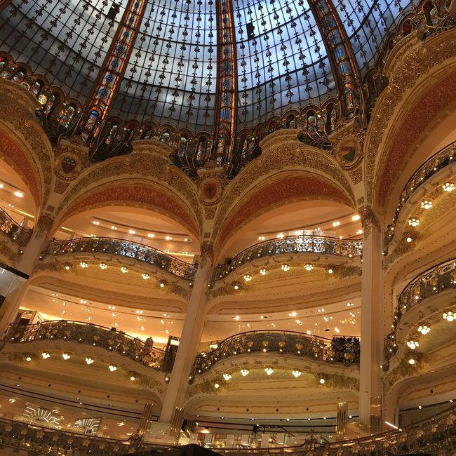 Nofilter Check This Out Hi! Cheese! Enjoying Life Relaxing Hello World Taking Photos Taking Photos View Beautifulviews Beautifulview Beautiful Picture Paris Shop Galeries Lafayette