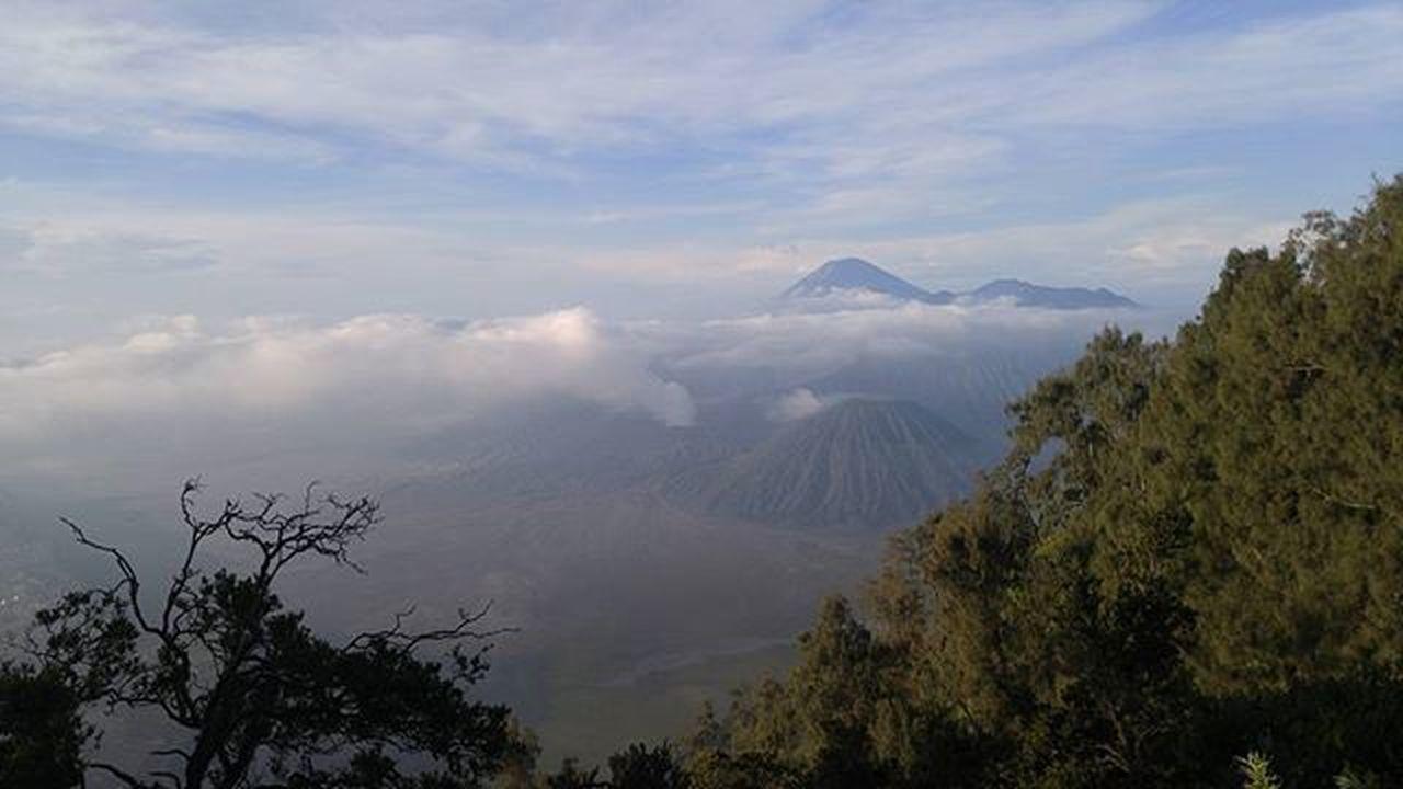 Mountain Bromo Landscape Val  2016 LGG4 LG  G4 Miles Away Flying High