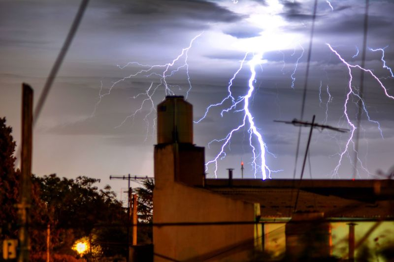 Tormenta Tormenta Eléctrica Relampago Rayo Storm Llevarlo Buenosaires Argentina Danger Lightning Thunderstorm Storm Cloud Dramatic Sky No People Outdoors Power In Nature Nature Night Illuminated Storm Beauty In Nature Forked Lightning Sky Cloud - Sky Motion Break The Mold