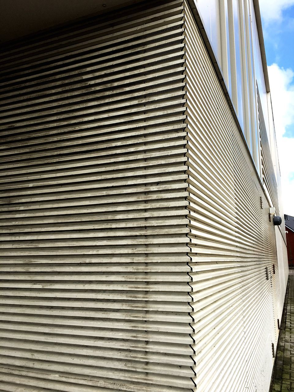 pattern, architecture, building exterior, striped, built structure, day, no people, outdoors, corrugated iron, modern, close-up, sky