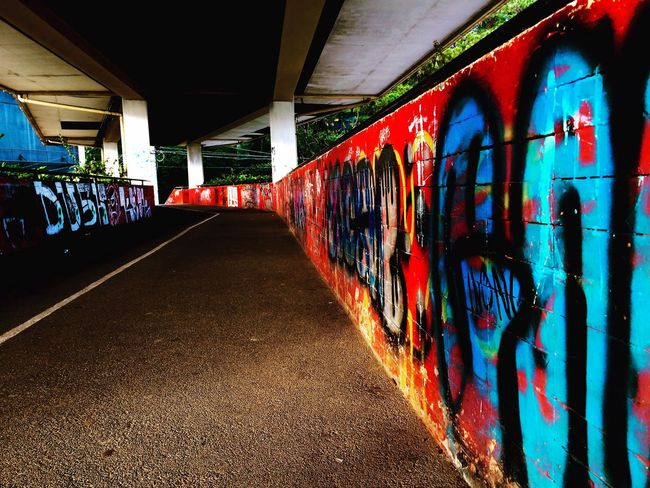 Streetside... Iosphoto Iosphotography Simpleshot Overpass View Graffiti Streetphotography