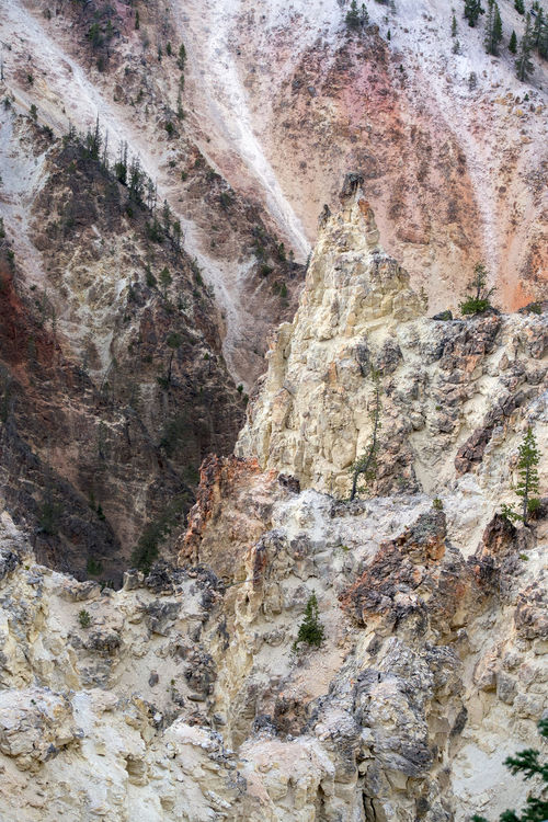 details of beautiful rock formations inside of Yellowstone national park in the USA Beautiful Bucket List Adventures Formationsoflife Nature Travel USA Yellowstone National Park America Details Geological Formation Geological Landscape Landscape_photography Mountains Outdoors Rocks Vacation