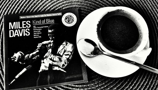 Combinacion perfecta 😎🎺🍵 Sundaymorning Good Morning! Jazcafe jazz Light And Shadow Good Day Sound Of Life