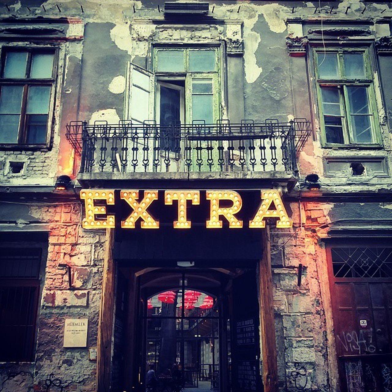 Ebben a házban van valami Extra... Extra House Kocsma Beer architect urbanizers mik ig_hun