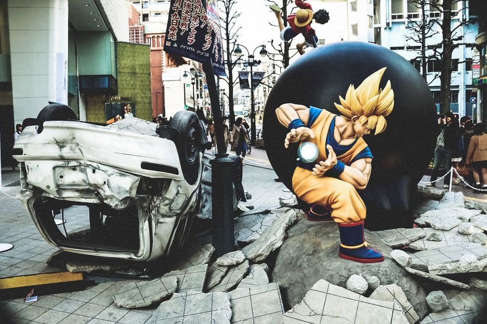Luffy vs Goku in Shibuya PARCO in 2014.03 Amazing Battle Anime Dragon Ball One Piece Shibuya What's Happend? People Streetphotography Japan Urban Exploration Street Photography Fine Art Still Life Japan Lovers Holiday POV Everyday Joy My Country In A Photo Capture The Moment Fight Figuart Different Place Atmospheric Mood Battle Of The Cities Ultimate Japan Traveling Home For The Holidays