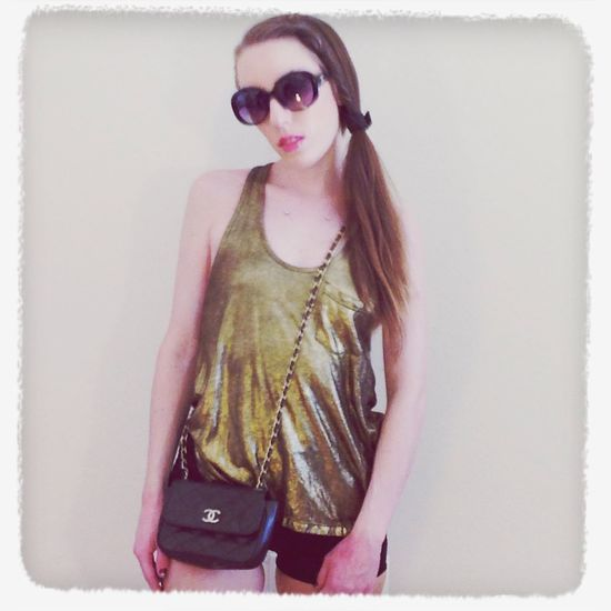 Love this gold metallic tank with everything!! Lol Fashion Outfit #OOTD Street Fashion Style