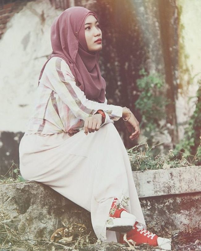 Location: Pelabuhan Kota Cirebon Model @dindaanggita15 Canon EOS Eos600d Model Canon_official Cirebonbening Fotografi Cirebonjepret Afterlight Modelhijab Fashion Pelabuhancirebon Photooftheday Photographer Hijabfashion Dailyhijabtrendy VSCO Hijabdynda Vscocam Instamood Model Modelhijab Instalike Hijab Hijabers like4like