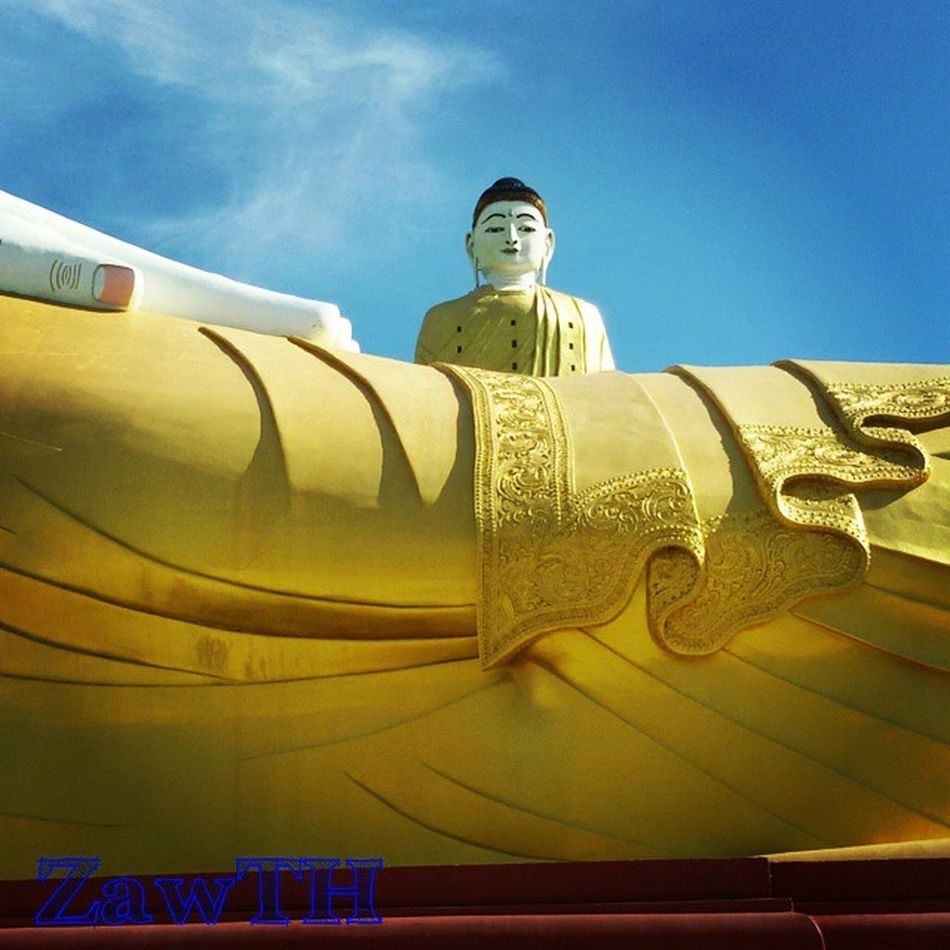 One of the world biggest religious statue by CNN Monywa Sagaing Mandalay Myanmar Myanmarphotos Vscomyanmar Igersmyanmar Igersmandalay Zawth GalaxyGrand2 Igglobal Igers Pagoda Temple Buddhist Buddhism @nocrop_rc Rcnocrop