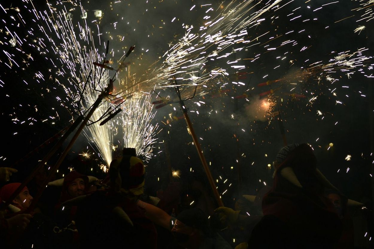 Correfoc Diables 426fmsantroc Cultura Tradició Foc Espurnes