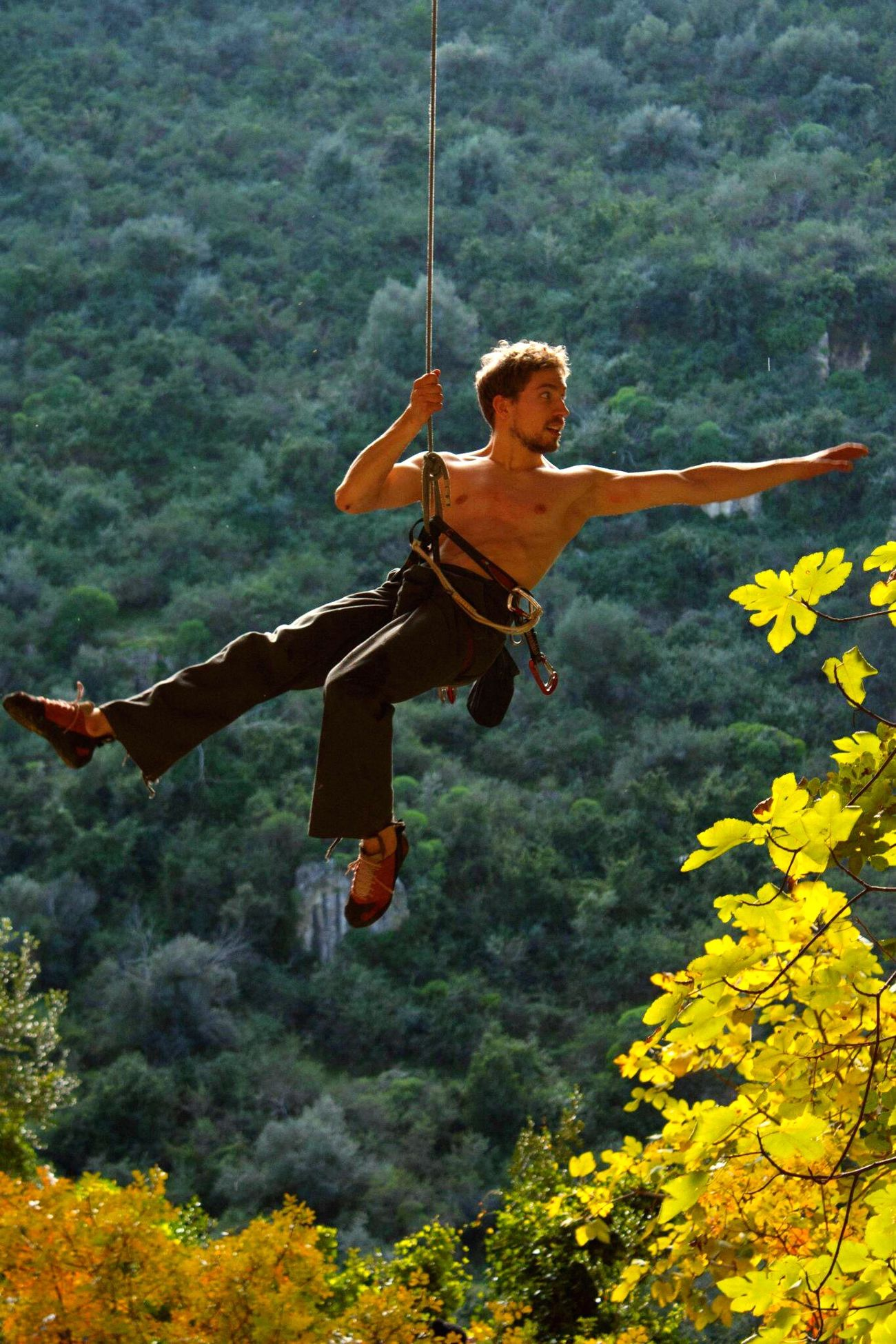 Extreme Sports Hanging Around Hanging Out With Friends Flying Rock Climbing Sports Photography Sport Sports Rope Swing Rope Klettern Seil Hängen Siracusa Sicily