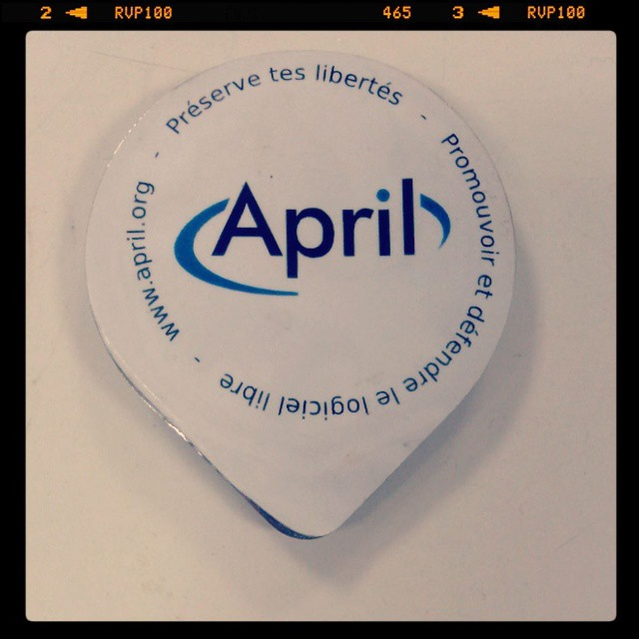 @Le_Loop after FHaP un préservatif April distribué par http://loops.fr BlackLoop Lulz