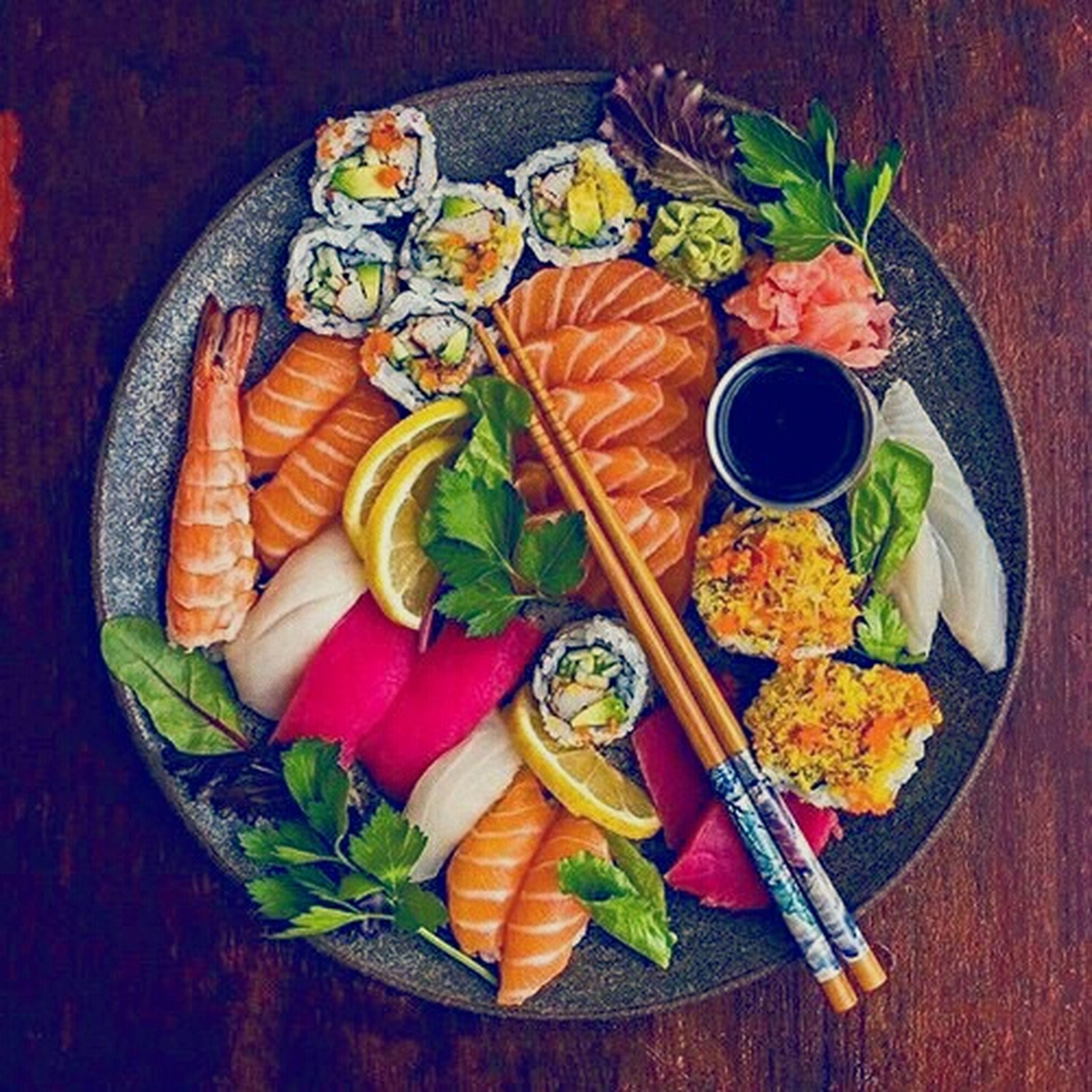 seafood, food, food and drink, vegetable, directly above, plate, healthy eating, freshness, no people, variation, slice, indoors, ready-to-eat, close-up, day